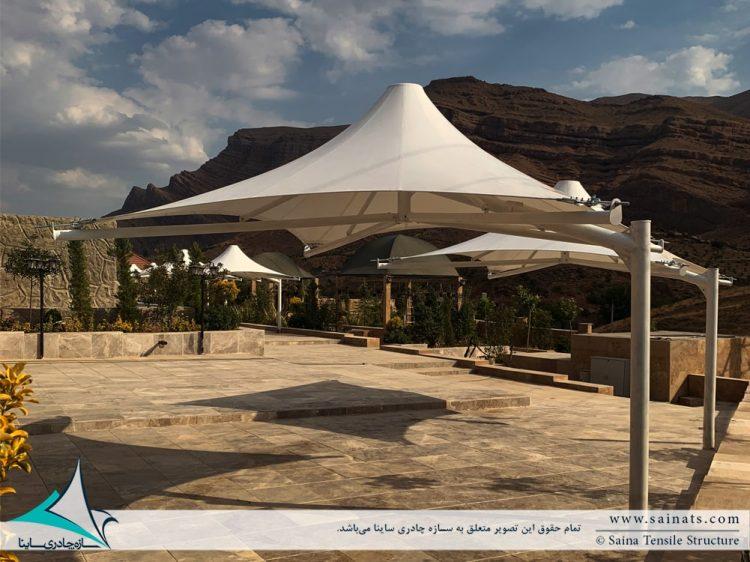 آلاچیق های چادری محوطه در اقامتگاه شیراز